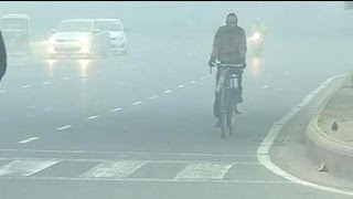 Cold wave continues in Delhi; fog disrupts flights, trains