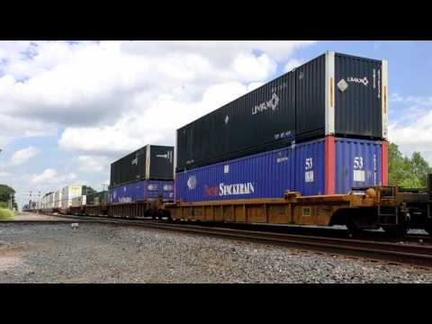 CSX and Wheeling & Lake Erie Trains in Wellington, OH