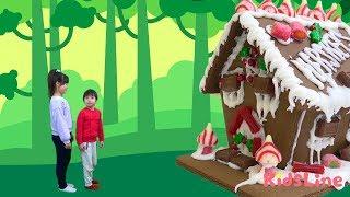 クリスマス お菓子の家 を作って 遊びに行ったよ♫ 料理 おゆうぎ こうくんねみちゃん thumbnail