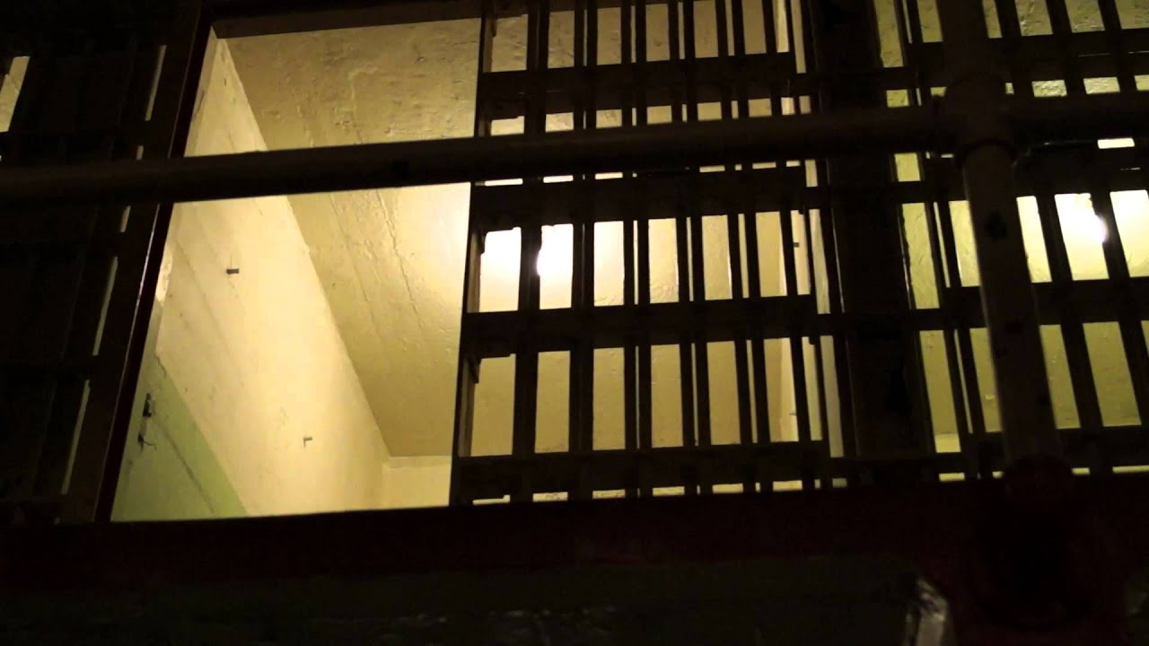 Alcatraz prison cell doors opening and closing & Alcatraz prison cell doors opening and closing - YouTube