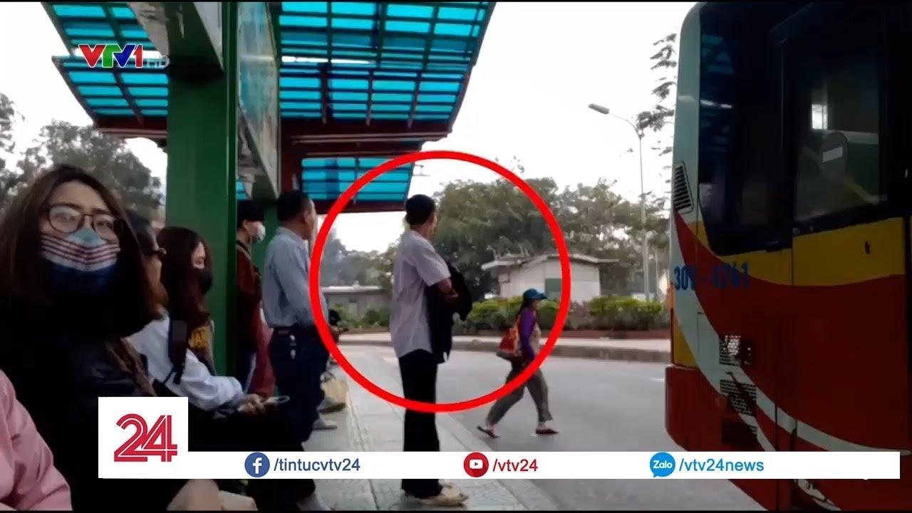 Trộm cắp, móc túi hoành hành tại điểm trung chuyển xe buýt | VTV24