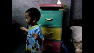 "baby sing Indonesian song ""Tanah air"" (3 years Old)"