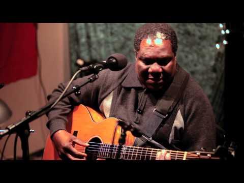 Vusi Mahlasela - Woza (Live on KEXP)