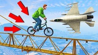 УВЕРНИСЬ ОТ САМОЛЕТА ПРЫГАЯ ПО КРАНУ НА BMX! (GTA 5 Смешные моменты)