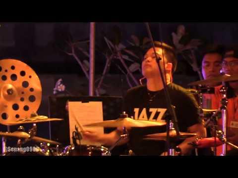 Tompi - Tak Pernah Setengah Hati @ Prambanan Jazz 2017 [HD]