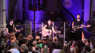 Amy Macdonald - Life In A Beautiful Light (live)
