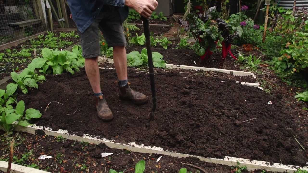 How to dig a garden bed