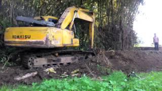 Bego, Excavator, Alat Berat Keruk Sungai