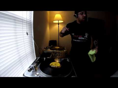 90s Dance Mix On 2 Turntables With The Little Guy 13 Oct 2015