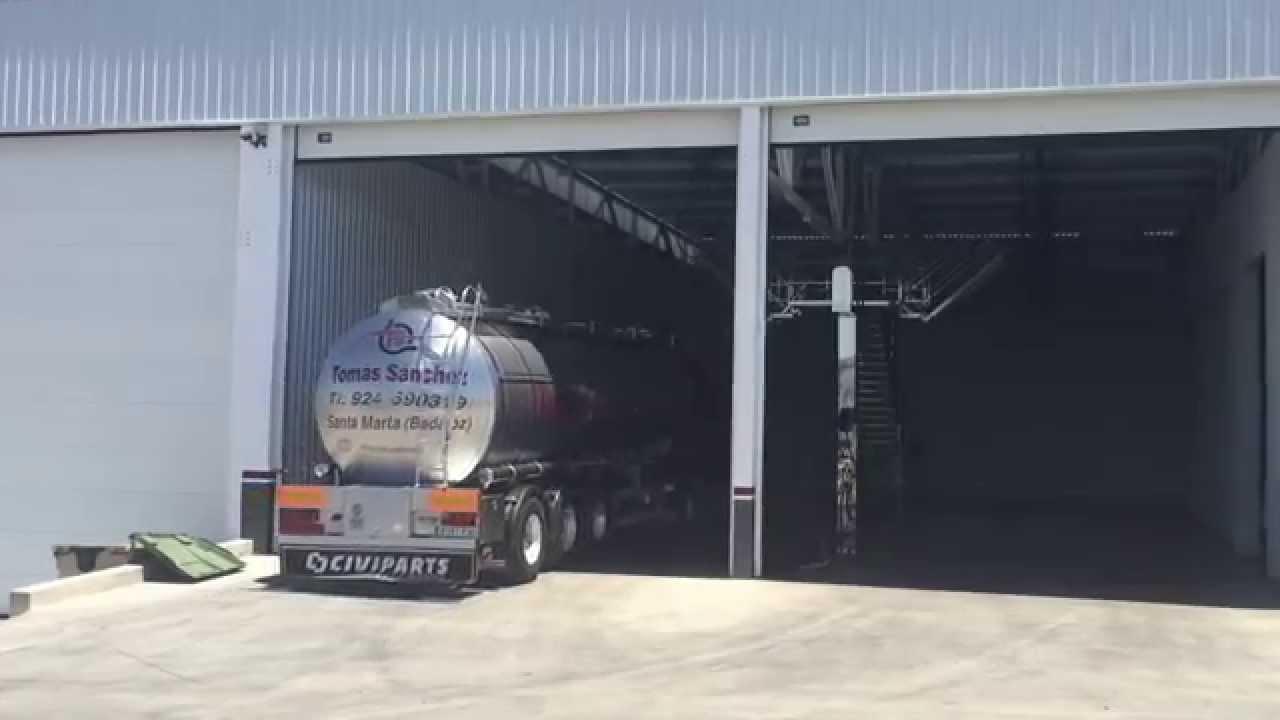 Tomas Sanchez Transportes Cisternas Entrada Al Lavadero