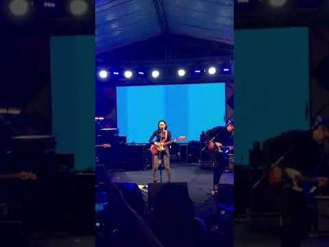 fazerdaze---little-uneasy-|-live-at-lol.yk-,-yogyakarta-13-oct-2018