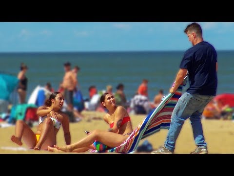 Taking Peoples Towel Prank at the Beach!! 😂