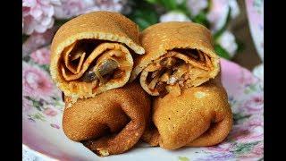 Блины с капустой, жареными грибами и томатной пастой  - такое блюдо обязательно понравится!