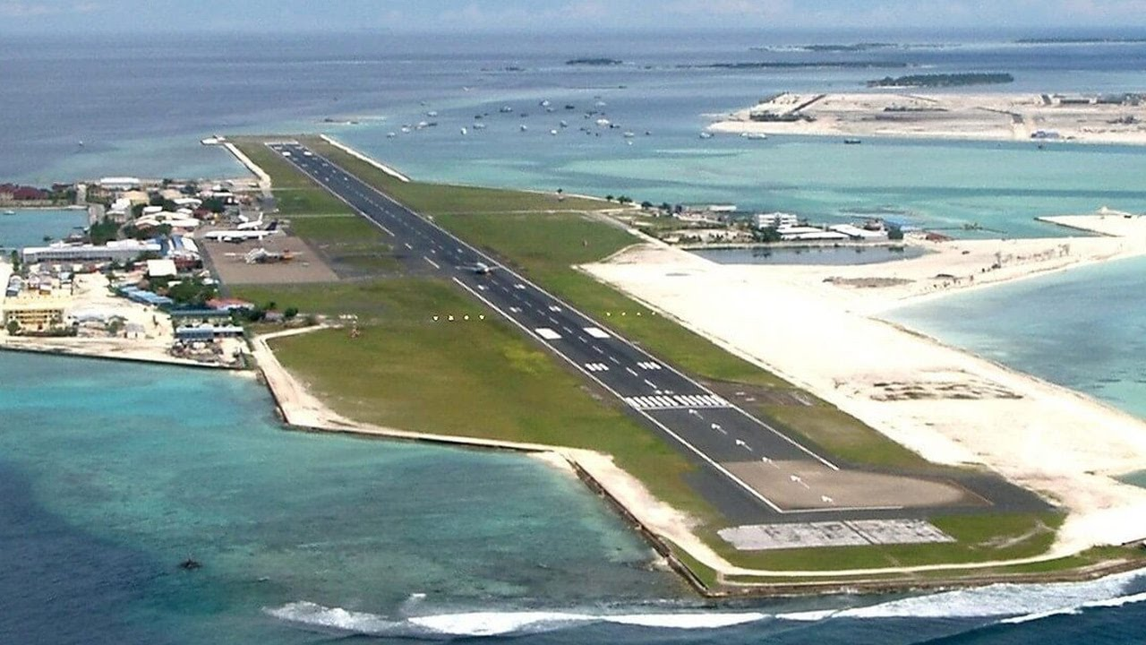 10 most extreme airports in the world