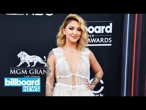 Julia Michaels' Upcoming EP Features Songs With Selena Gomez and Niall Horan | Billboard News Mp3