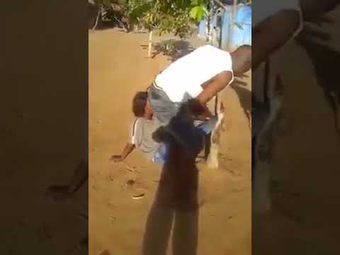 Woman abuse in border DRC and Angola  get beaten from Angola