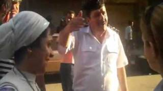 عميد و لواء شرطة بيضربوا بنت مصرية - قمة البلطجة