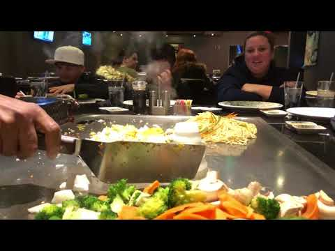 Kitchen Clips: The Hibachi Show At The Sumo Japanese Steakhouse And Sushi Bar At The Holyoke Mall