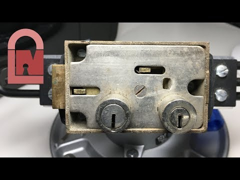 (304) Dual Key Safety Deposit Box Lock Blind Picked