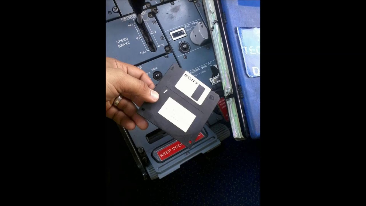 A320 NAV Database Update: 4 Steps (with Pictures)