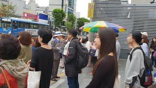언론에 현혹된 국민들을 깨워라, 대한애국당 강남우파연합 영등포역 서명운동