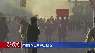Protesters Disregard Curfew, Amass At 5th Precinct in Minneapolis