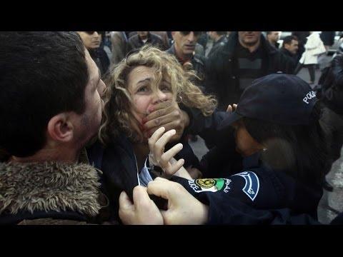 Manifestation anti-Bouteflika: des interpellations à Alger
