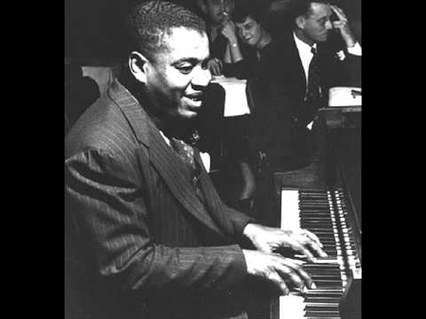 Art Tatum plays  I cover the waterfront   (1949)