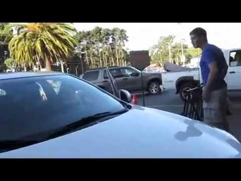 Se estaciona en lugar para discapacitado e insulta a embarazada de YouTube · Duración:  3 minutos 14 segundos
