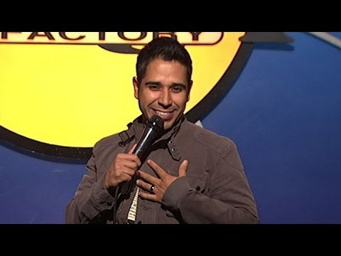 Erik Rivera - Latino Accents (Stand Up Comedy)