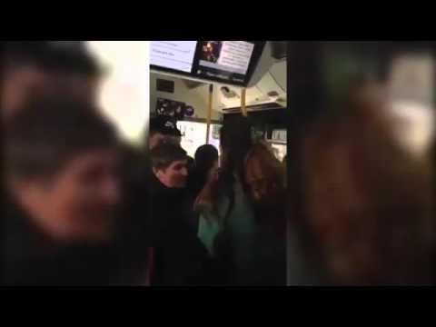 Щупает женщин в транспорте видео, пизда женский порно видео