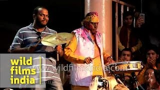 Thunderous applause for Indian percussionist Shivamani along the Ganges river!