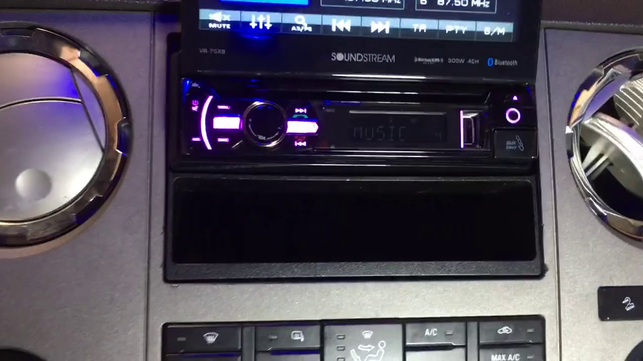Universal - WinCE Single DIN Car Stereo (D771GDAB) by XTRONS