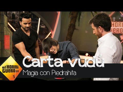 Luis Piedrahita le hace vudú a Luis Fonsi en 'El Hormiguero 3.0' - El Hormiguero 3.0