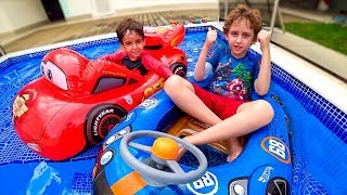 HOT WHEELS vs MCQUEEN OF THE CARS IN POOL - Video for Kids and Family