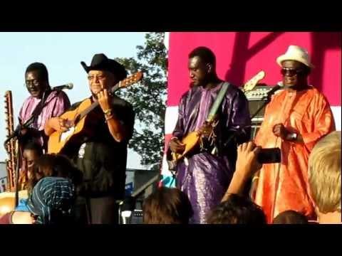 """AfroCubism - """"Utrus Horas"""" - Bonnaroo 2012"""
