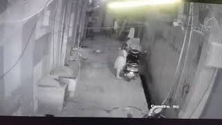 Girl Thief Stealing Bike in Dark Street | Girl Theft Scooty | Caught on CCTV