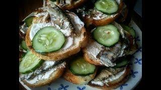 Бутерброд со шпротами и огурцом. Самый быстрый, простой и легкий рецепт бутербродов.
