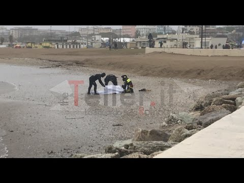 Naufragio porto di Rimini - recupero vittima