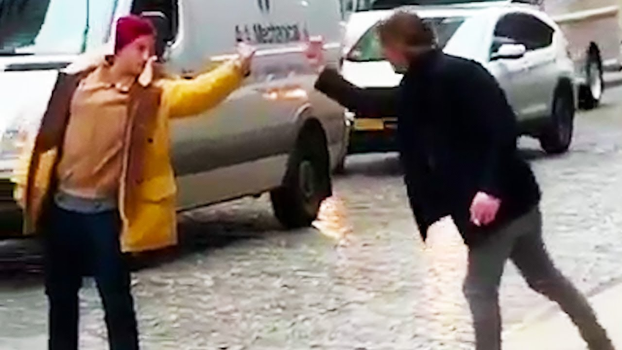 Ozzy Man Reviews: Finger Fight