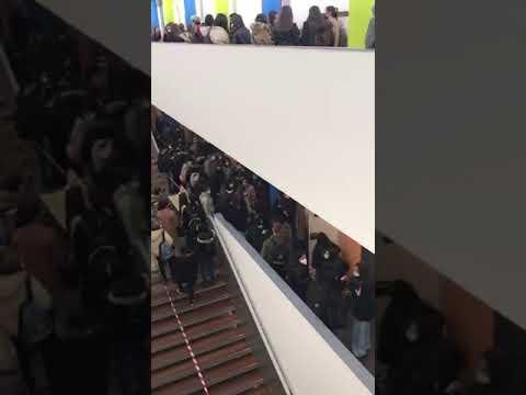 Vídeo | Estudiantes de la ULE denuncian aglomeraciones en los exámenes presenciales