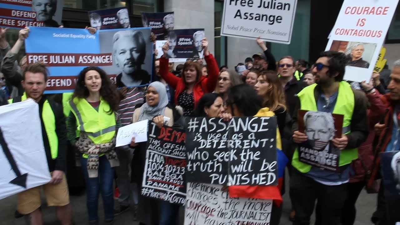 Julian Assange | Yellow Vests protest in London to defend Julian Assange and Chelsea Manning