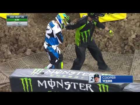 Cooper Webb crashes hard in Minneapolis - Monster Energy Supercross 2017
