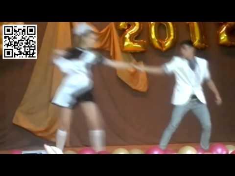 Выпускницы российских школ танцуют. School dance