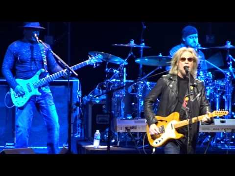 """Did it In a Minute"" Daryl Hall & John..."