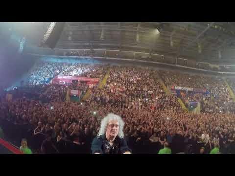 Selfie Stick Video   Nottingham, England [December 05, 2017] Queen + Adam Lambert