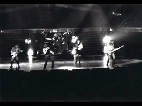 AC/DC [April 6th 1988] Zenith, Paris, France {Live Audio}