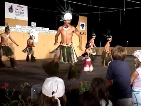 Exotic Tribal Dance of Cook Islands