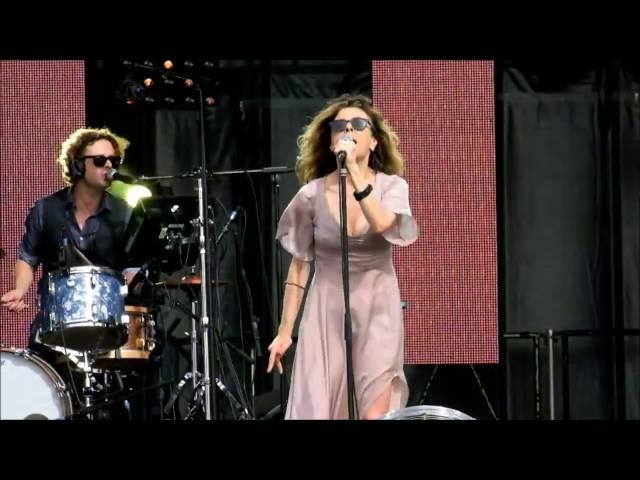 Clarika en concert à la fête de l'Huma