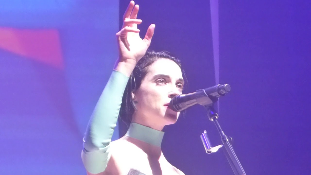 St  Vincent - Dancing With a Ghost → Slow Disco (Houston 02 20 18) HD